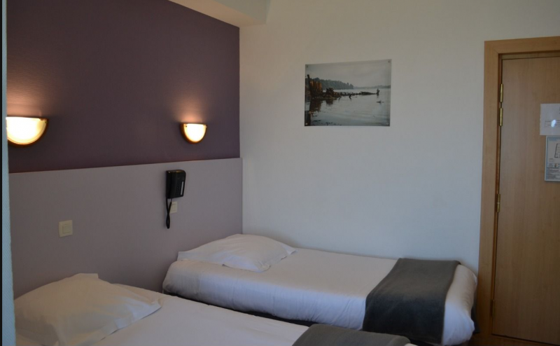hotel room and restaurant Saint Malo